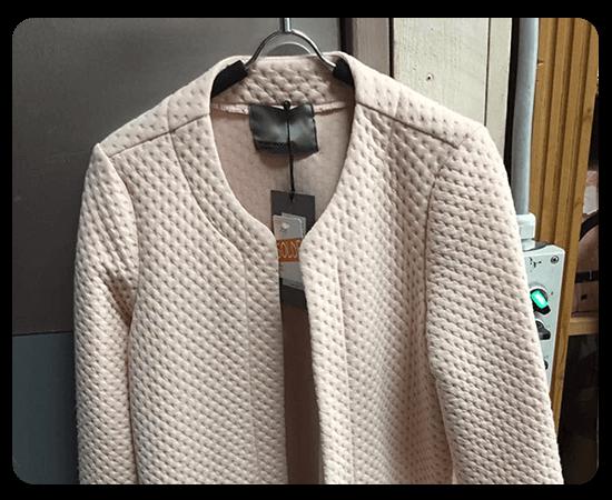 boutique-en-ligne-manteaux-accessoires-femmes-boutique-magasin-de-vetements-arrosoir-Biesme